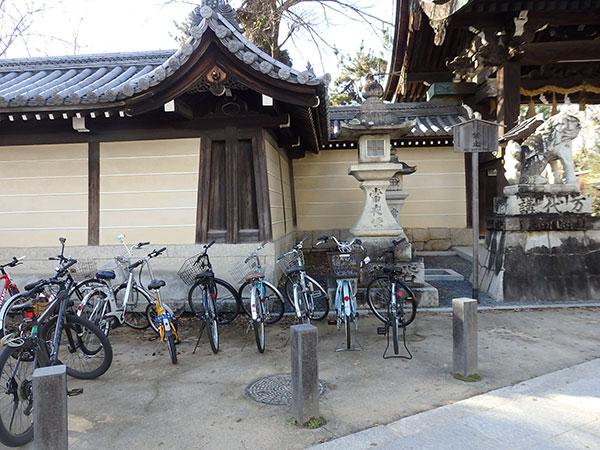 北野天満宮 東門 自転車