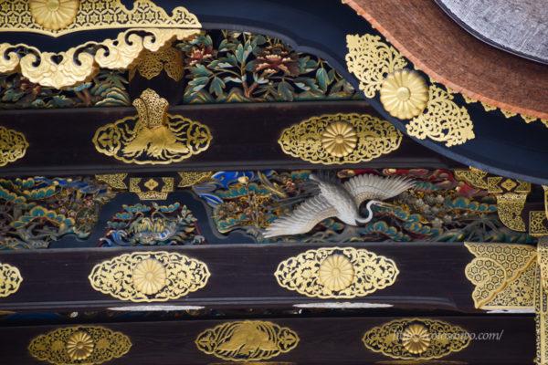 唐門 菊の紋